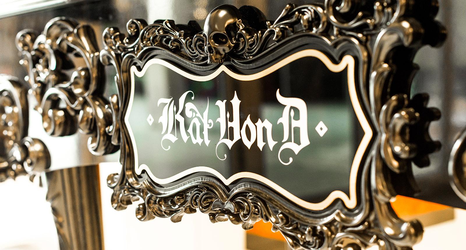 Kat Von D Sign