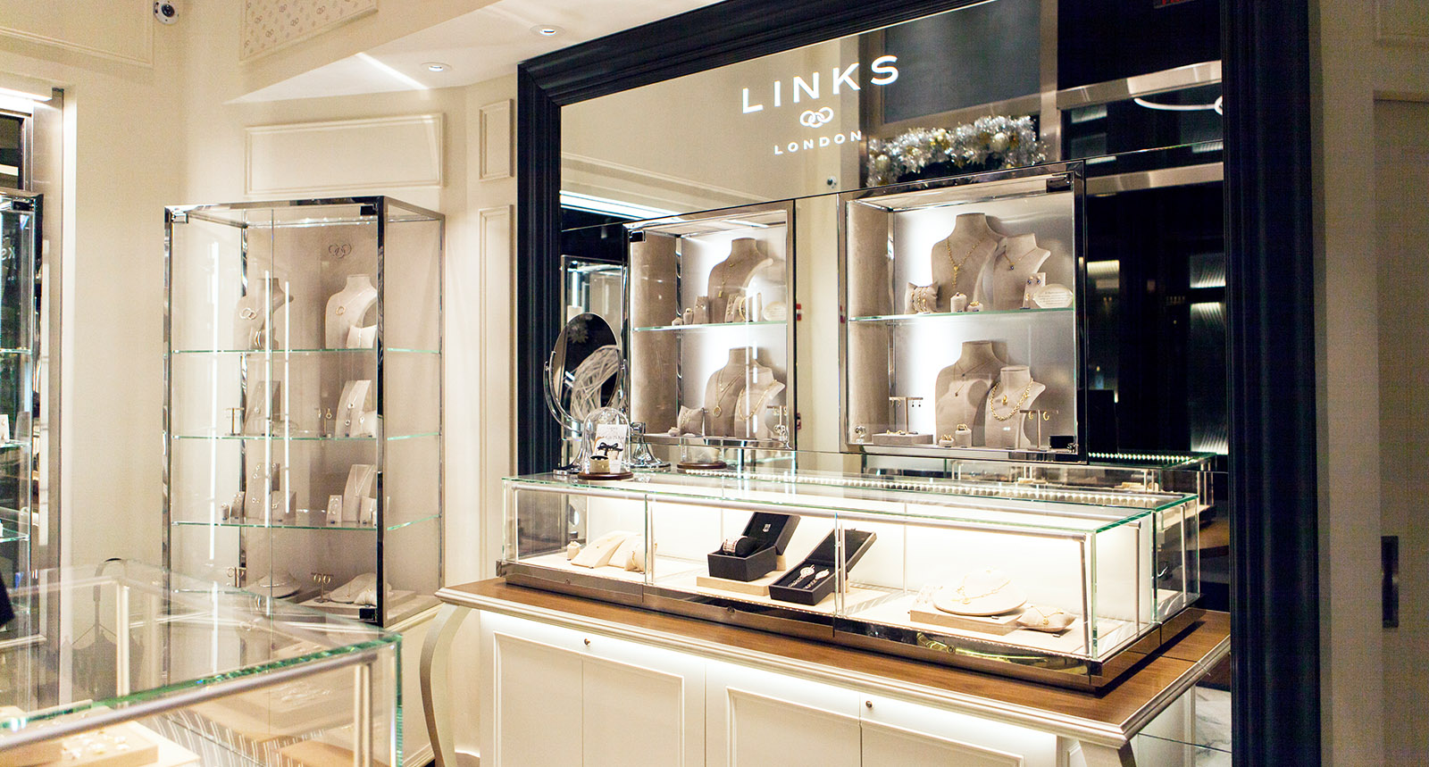 Links of London Cabinets and Product Cases